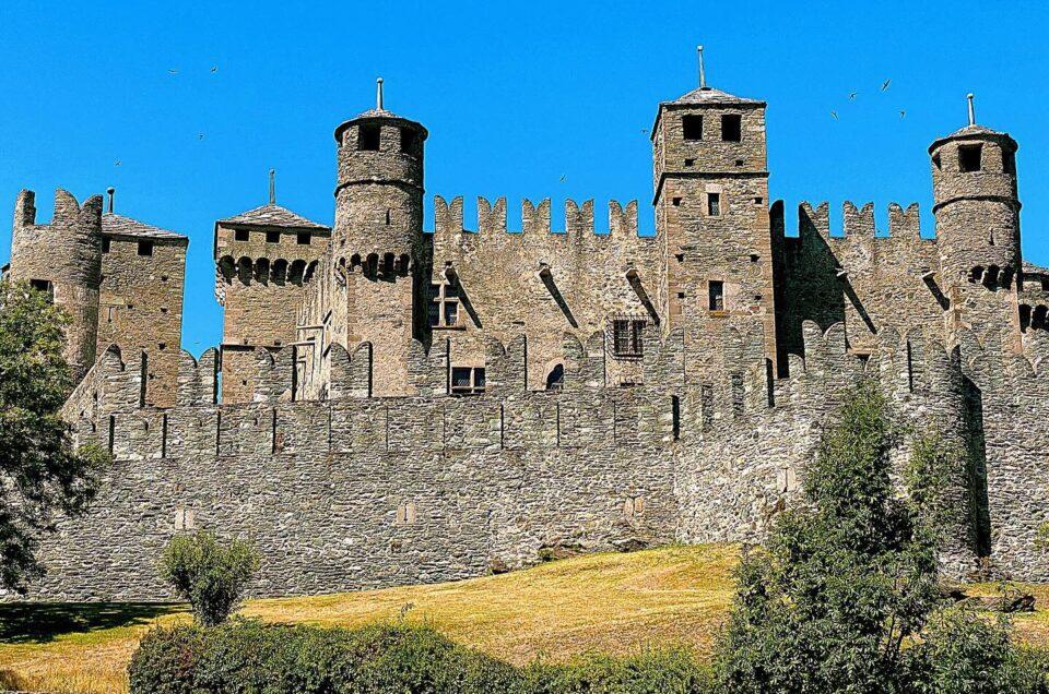Valle d'Aosta, Italia – 2020: tour in giornata dei castelli